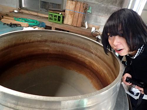 枯れ節でダシをとる鍋から漂う鰹節の香りがすごい。使い込まれたすっぽん用の土鍋みたいだ。