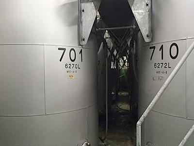 イベントでは蔵の中を詳しく見学出来ました。熟成古酒を保存しているタンク。