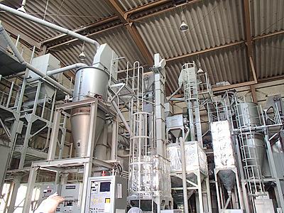 精米器。食用の白米は90%程度になるまで磨く(10%糠など削り取る)。酒の場合は60、50%ぐらいまで取り除きます。