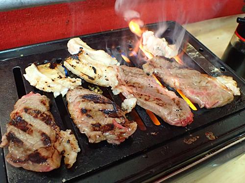 やっぱり肉も楽しいなー!高い肉がしっかりとうまいなー!