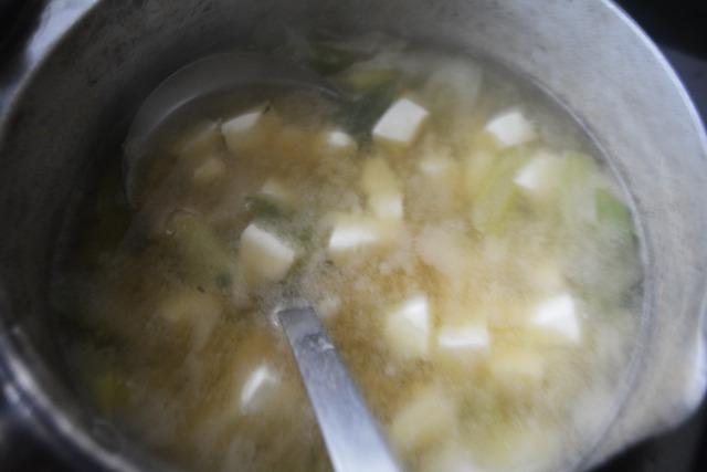 チーズ入れた瞬間の絵面ったら、ふつうに豆腐のみそ汁に見える