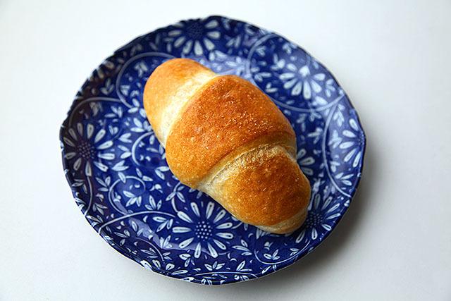 一見普通のロールパン。