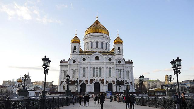 救世主キリスト聖堂から、モスクワ水泳場になって、また救世主キリスト聖堂