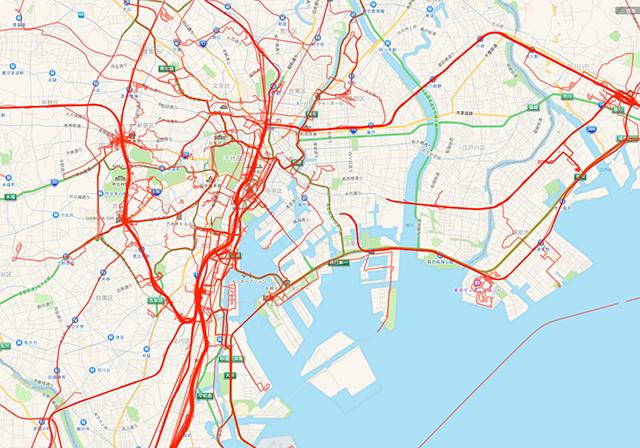 これは昨年2015年の1年間のぼくの外出記録のうち、東京を中心とした部分のクローズアップ。山手線によく乗っているのがわかる。右端は実家のある西船橋。ディズニーランドにも行ったな。