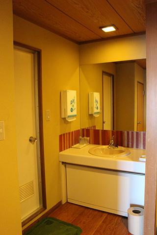 お部屋にもお風呂と洗面所がついている