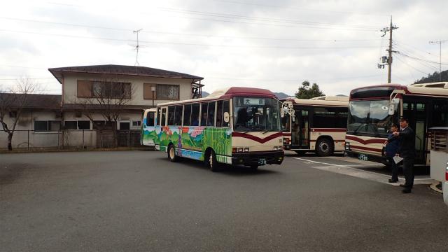 高野車庫から大原までの車両送り込みのバスが到着。実はこの送り込みダイヤも年1便のバス路線である