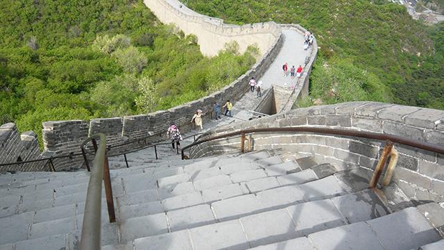 世界にもまだまだある、怖い階段。