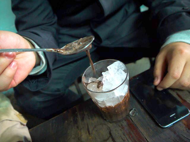 こちらは「アイスショコラ」、別名冷えたチョコソース(命名)。