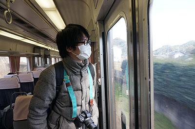 同日、JR高山本線、車内