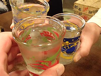 日本酒は北海道の物を中心に幾つかありました。カップ酒で給日本酒。