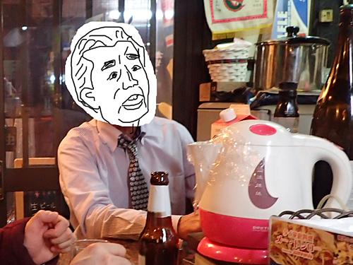 大阪育ちの志村けんみたいなお客さんがクールにギャグを飛ばしてくる。「ワシ、実はタイ人やで。あ、写真はやめといて。でも名前だけ本名で入れといてな」