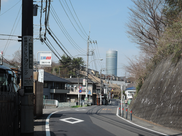コンビニがない「篠原町」を歩くと見えてきた、新横浜プリンスホテル