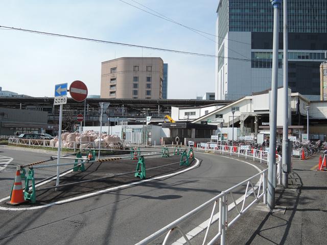 新横浜駅、篠原口の