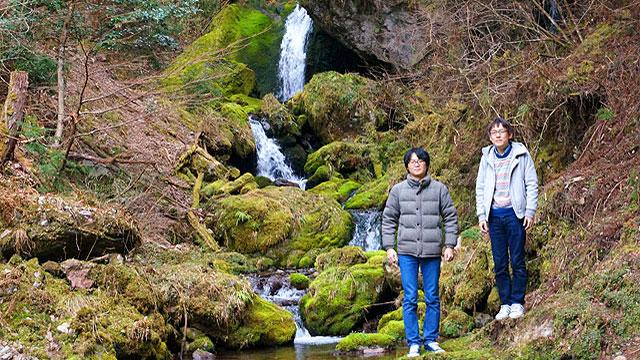極端に無口な同僚と、二人旅をしました。「滝の音を録音しに」という名目で、実は彼と仲良くなるための旅です。口下手な人にこそ読んでほしい。