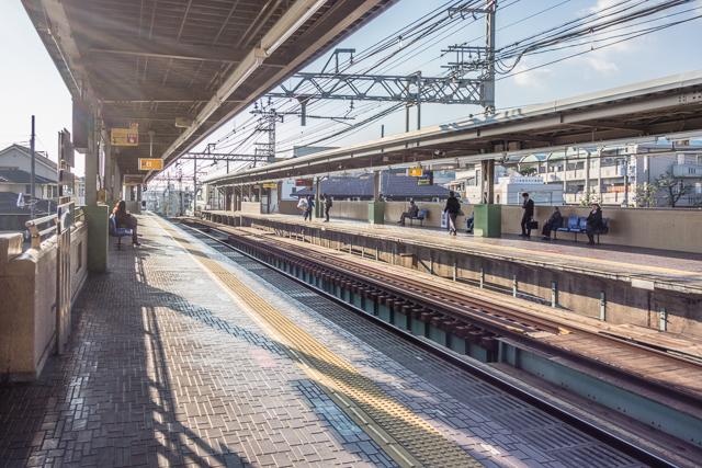 すばらしすぎる開放感! いままで見てきた東京の川の上駅とは一線を画す。