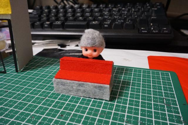 工作用紙を使ってカウンターを作った。この見た目だと蒙古タンメン中本にも見える。