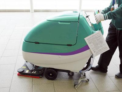 新函館北斗駅で使われていた、新幹線カラーの掃除機。一家に一台欲しい