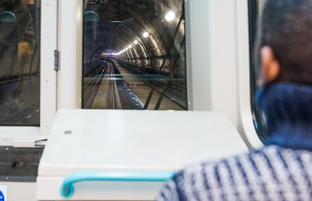地下鉄各線の中で
