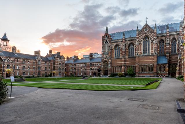 Keble Collegeというオックスフォード大学のひとつ。TUBE画像だらけから急にふつうに良い風景写真です。