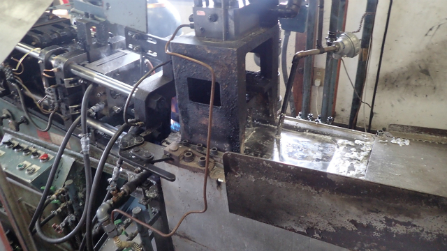 鋳物の機械