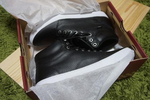 住さんにメールで靴のサイズを聞いて、私が店で買うという稀有な体験をした。