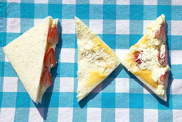 二切れのサンドイッチで、イチゴを4個使っていることになり、すごい。