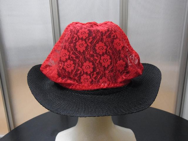 華やかになるため、いつもの帽子に飽きたらパンツをかぶせるのはアリかも。