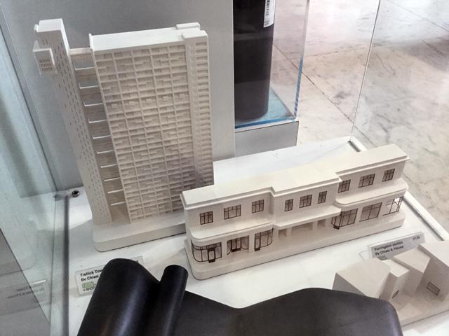 あと、テムズ川沿いにあるデザインミュージアムにいったら、なんとショップに Trellick Tower の模型が! 感動。しかしそのお値段2万円強。悩みに悩んだ末あきらめた。でもやはり買うべきだった、と後悔していたらオンラインショップで買えるじゃないか! いま再び悩んでます。