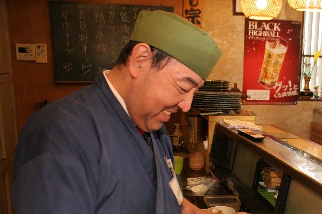 こちらが店主の佐次本さん。優しそうな人で安心した。