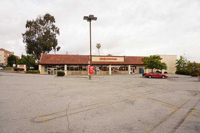 駐車場が広い!(会場外の写真がほとんどないので地味な写真で恐縮です)