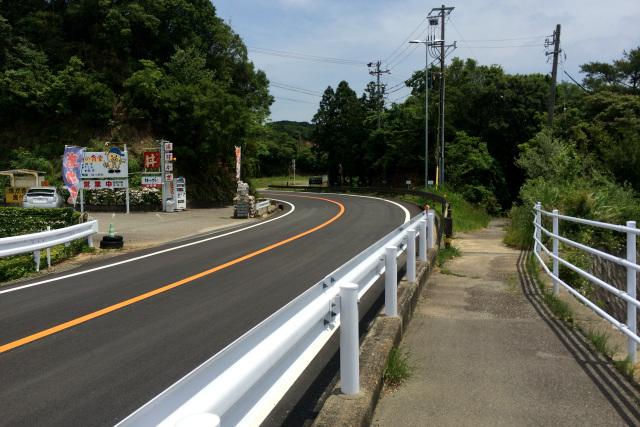 麻生の浦大橋を渡ると、歩道は車両と分離し――
