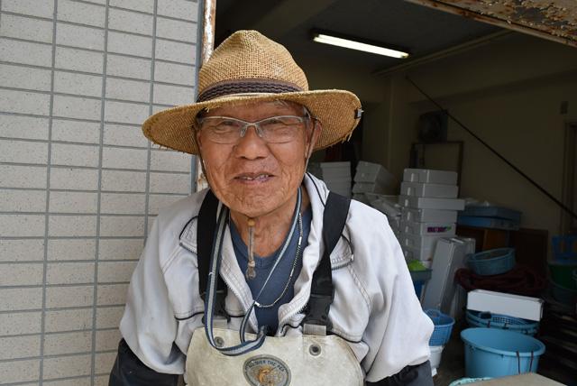 今年で77歳の鈴木さん。いまでも毎朝、漁に出ている