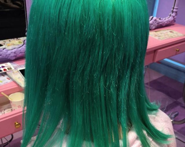 写真を見せてもらったら、予想以上に濃い緑色で驚いた