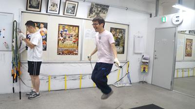 軽快に飛ぶ石川さん。久しぶりの本格的な運動だそうです。