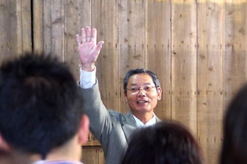 「今朝、納豆を食べてきた方はいませんか!いたら手を上げてください!」