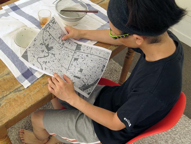 家で寛いでいるときも、暇があれば地図とにらめっこ。