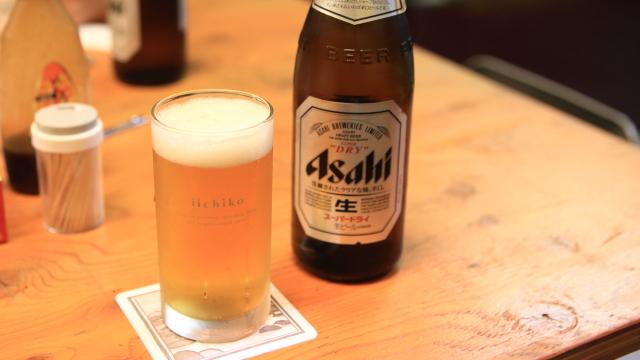 いいちこのグラスで生ビール。