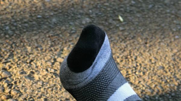 そして、親指が痛い気がする。ただ、そんな気がするだけというか、その痛みをこちら側が認めていないので引き分け。