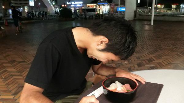 「カレーかけたくない…このまましょうゆかけて食べたい。」と言っていたが、それは言わないで欲しい。きっとおいしさの別次元が待っているはずだから。