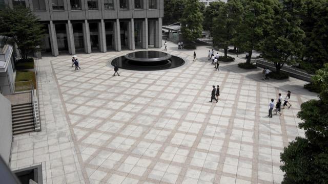 街のオアシス、公開空地(こうかいくうち)