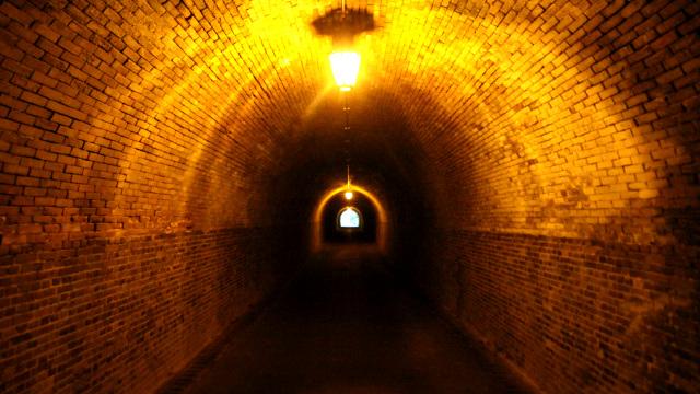 平安時代と江戸時代の古道、および明治・大正・昭和・平成のトンネルが残る峠があるのです