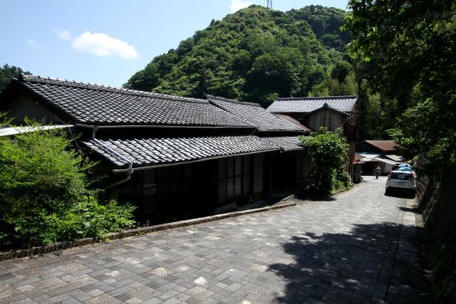 おぉ、旧東海道沿いの集落なだけあって、歴史がありそうな雰囲気だぞ