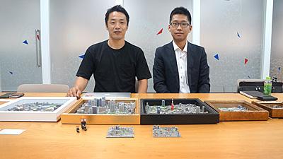 左がアイジェットの西村さん。右がゼンリンの遠山さん。3Dプリント会社と地図の会社のコラボ企画。