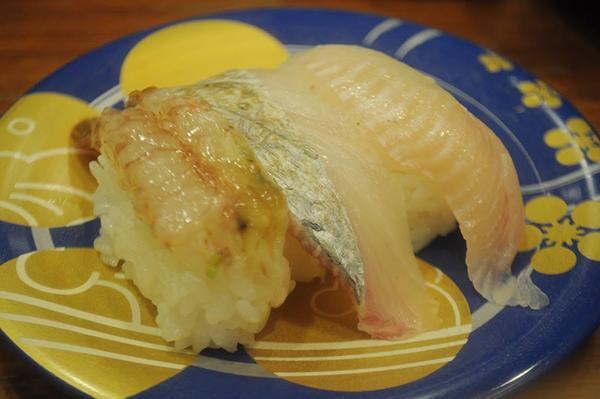 地物三点盛り、ガスエビと何か日本海のネタ。ガスエビはネェットリと濃厚な甘みがものすごい。
