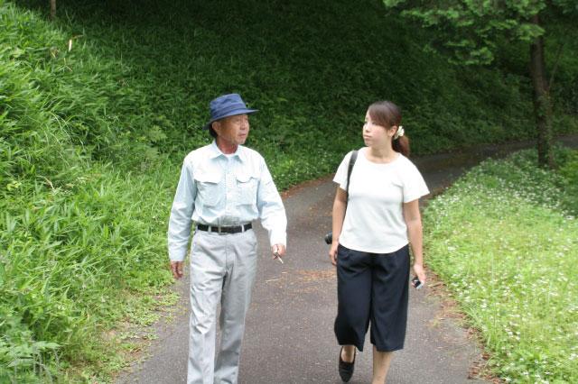 左が鈴木さん。右も鈴木