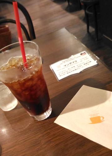 余談になりますが、秋田の人はコーヒーへの意識が高いんじゃないか。この取材のあと秋田県内だけのコーヒーチェーン「ナガハマコーヒー」にも行ったのだが、かなりレベルの高いコーヒー専門店だった