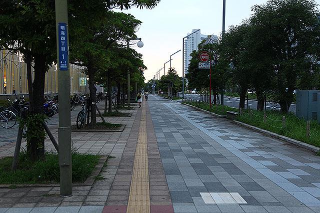 当時は凸凹になっていた道路はキレイに。