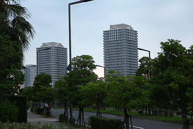 ツインタワーなんて呼ばれたりする。舞浜タワーレジデンス、じゃなくて、マリナイースト21。