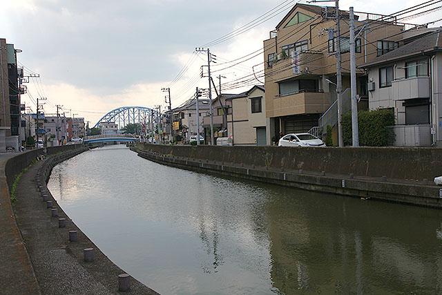 元町はそんな港町の雰囲気をまだ残している。