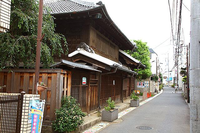 立派な木造家屋。